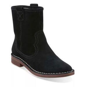 NWOB Clark's women's Cabart Rock suede boots